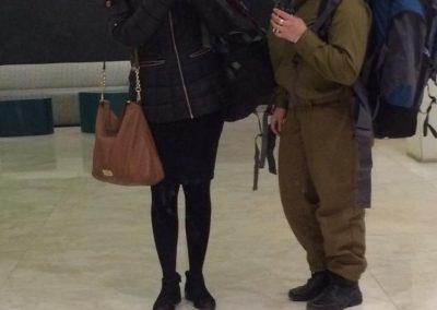 Hannah Kark with a chayelet (002)