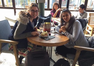 fellows Sophie Gordon and Hannah Kark out to breakfast (002)